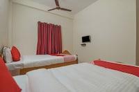 OYO Flagship 17297 Kathir Palace Madurai Main Saver