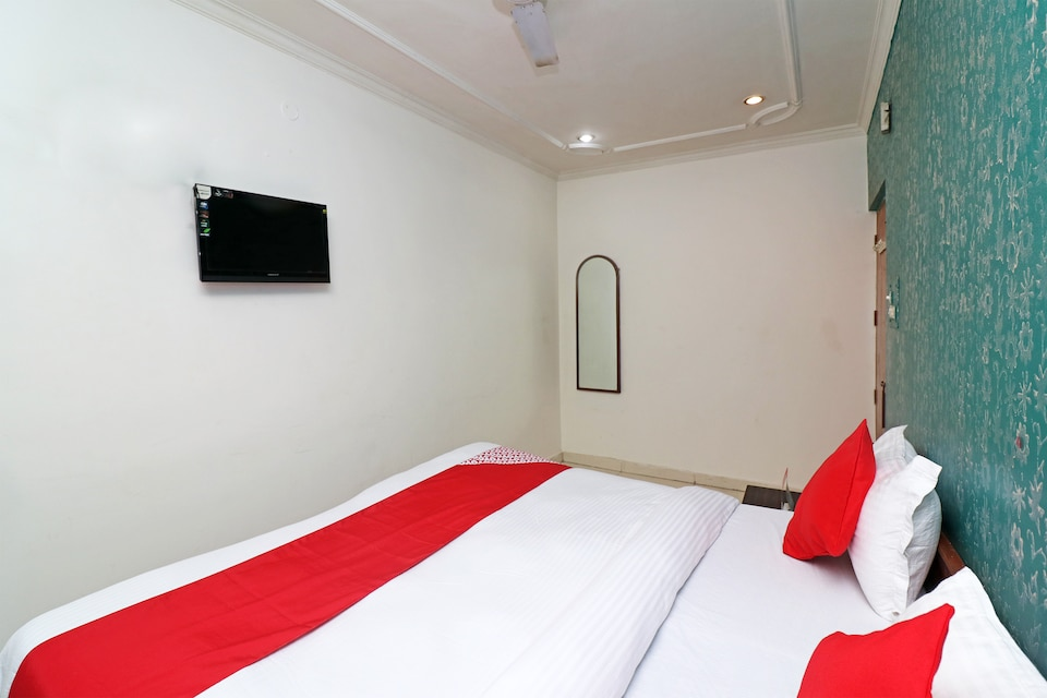 SPOT ON 17325 Yatri Guest House