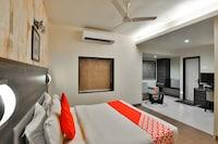 OYO 17332 Hotel Nana's Deluxe