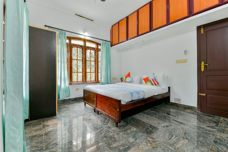 OYO Home 17351 Hill View Home Wayanad Inns 4bhk