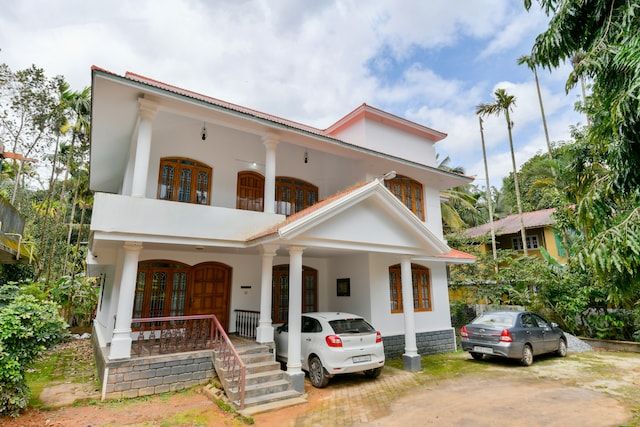 OYO 17351 Home Hill View 4BHK Wayanad Inns