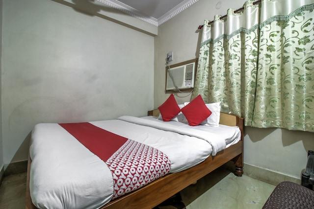 OYO 17367 Hotel Ashirwad Saver