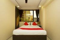 OYO 17393 Hotel Elite Plaza
