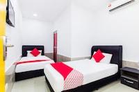 OYO 414 Adiff Palace Hotel