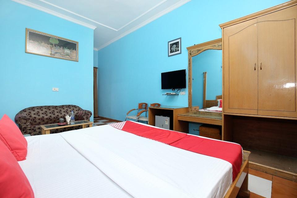 OYO 17430 Gulshah Hotel