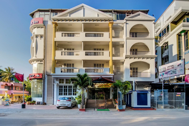 Capital O 18260 Hotel Crystal Park Inn -1