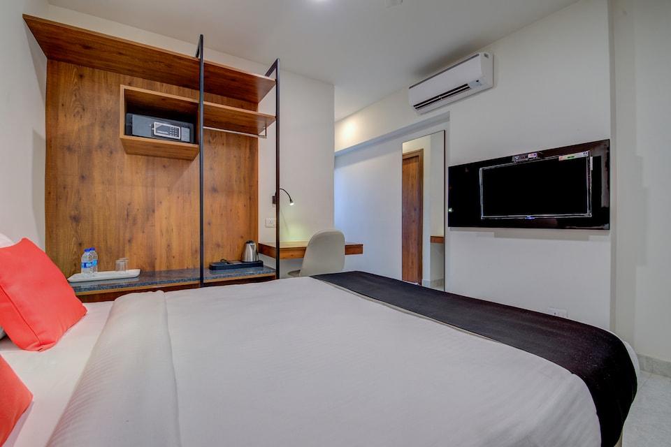 Capital O 18266 Hotel Arunaa Inn