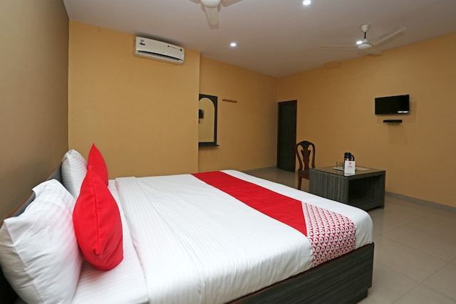 OYO 18269 Tulsi Guest House Deluxe