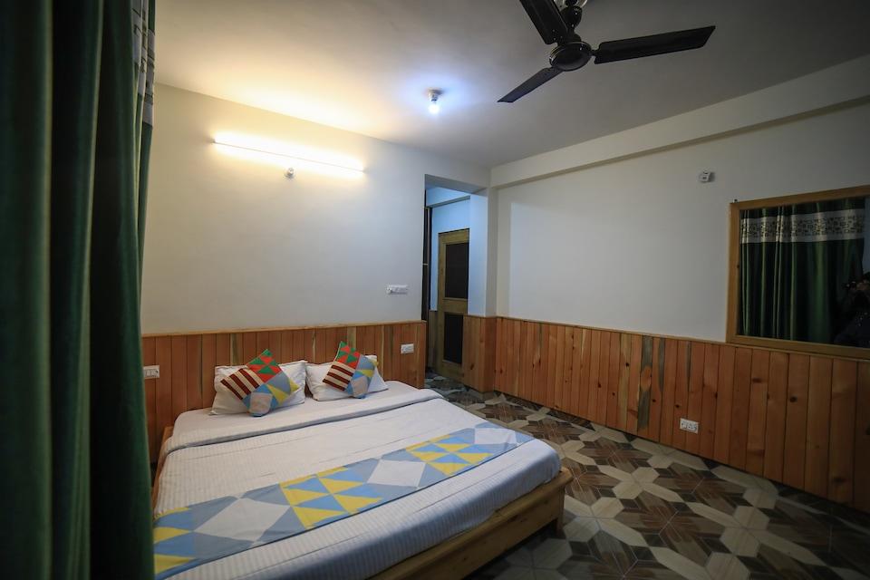 OYO Home 18311 Premium Stay