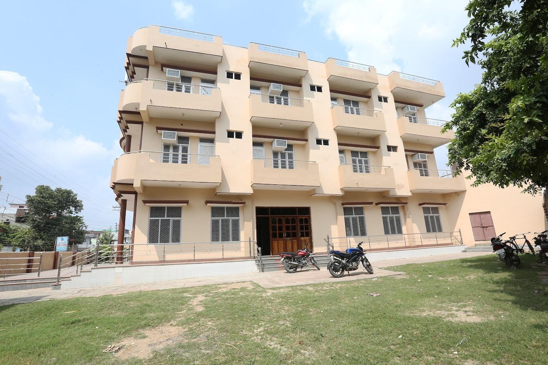OYO 18324 Sahani Guest House -1