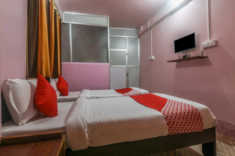 OYO 18330 Stay At Jo's Guest House
