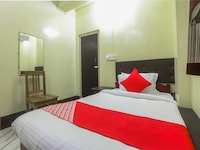 OYO 18330 Stay At Jo's Guest House Saver