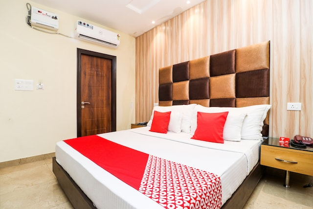 OYO 18377 Hotel City Top