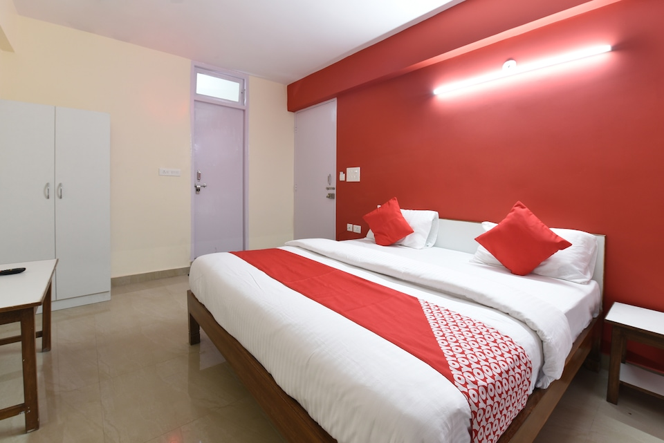 OYO 18390 Shiv Shakti Guest House