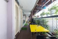 OYO 415 Straits Settlement Inn