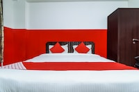 OYO 18434 Shiva Inn