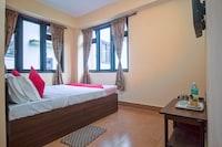 OYO 18455 Hotel Golden Shangrila