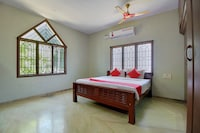 OYO 18457 Aathmika Guest House Deluxe