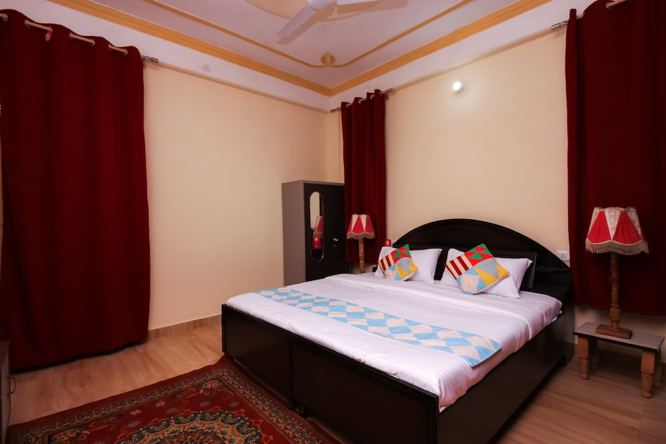 OYO Home 18462 Valley View 1BHK