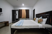 OYO Home 18463 Modern Stay