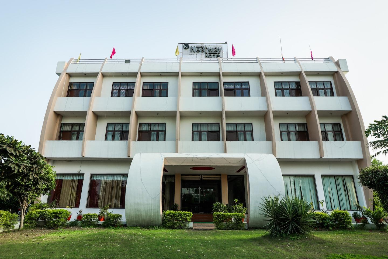 OYO 18465 Hotel Nestway -1