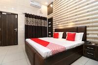 OYO 18478 Hotel Max