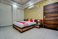 OYO 18483 Hotel Olive Greens Deluxe