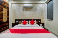 OYO 18483 Hotel Olive Greens