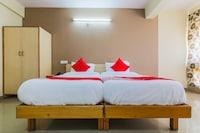 OYO 18505 Hotel Rukmini