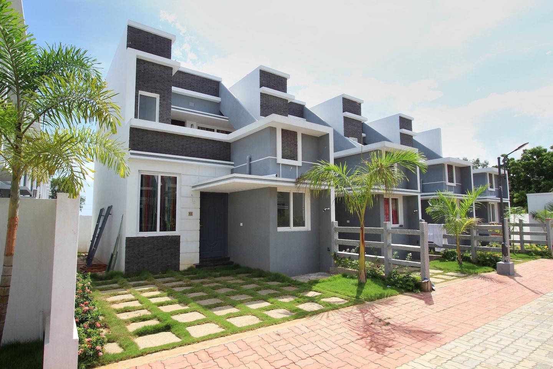Oyo 18523 home elegant 2bhk villa with pool anumandai beach pondicherry pondicherry hotel for Villas in pondicherry with swimming pool
