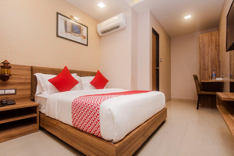 OYO 18581 Hotel Blue Inn Residence -1