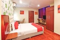 Capital O 18592 M Hotel Suite