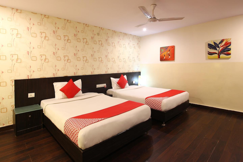 OYO 18592 M Hotel -1
