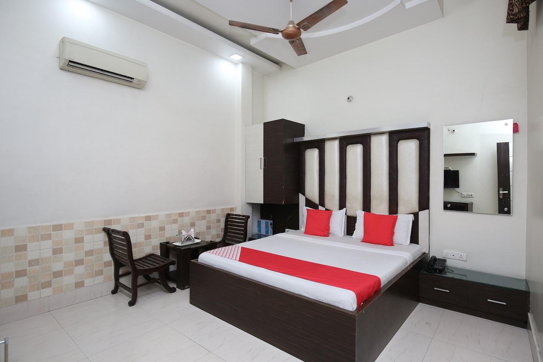 OYO 18599 Hotel Rc Residency -1