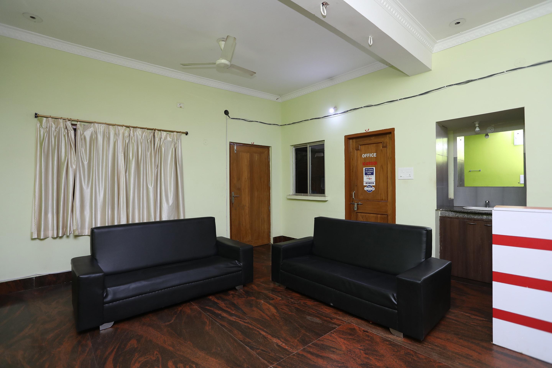 Oyo 18634 Sitel Guest House, Bhubaneshwar - Book this hotel