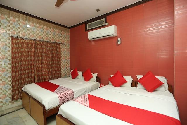 OYO 18641 Hotel Rashmi Deluxe
