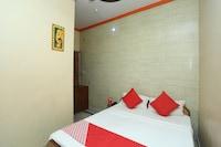 OYO 18641 Hotel Rashmi