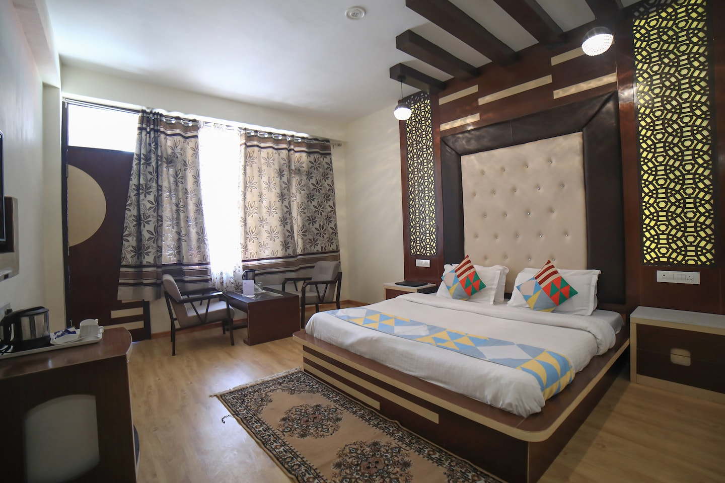 OYO Home 18644 Luxurious Stay -1