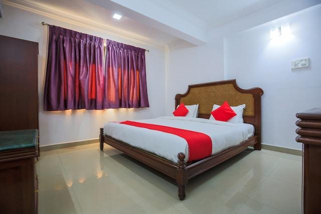 OYO 18647 Pandav City Hotel