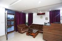 OYO 18648 Raj Inn Deluxe