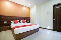 OYO 18652 Hotel Golden Shah