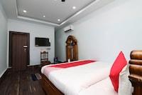 OYO 18658 Hotel Royal Green