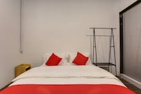 OYO 421 Ihome Boutique Hotel