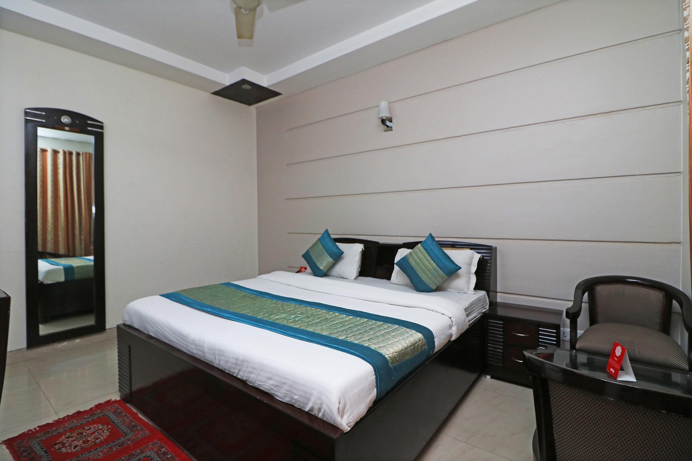 OYO 18685 Shweta Inn