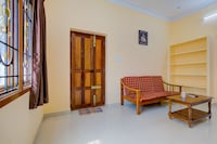 OYO Home 18715 Elegant 1BHK Near Airport