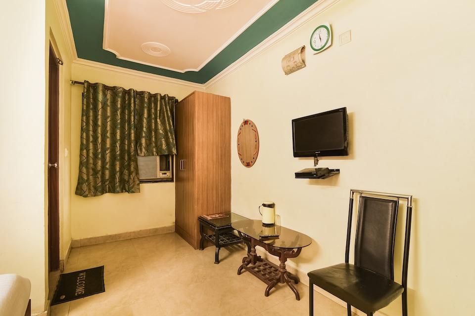 OYO 18721 Hotel King Palace