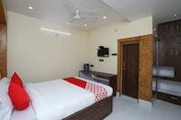OYO 18722 Sandhya Inn