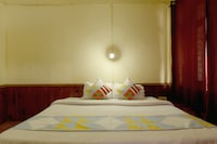 OYO Home 18736 Riverside Stay