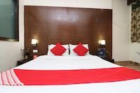 OYO 18753 Hotel Glance Inn