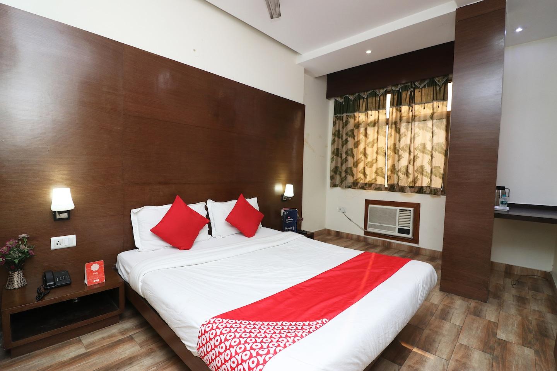 OYO 18753 Hotel Glance Inn -1